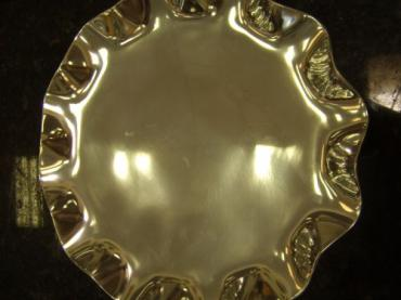 Round Scalloped Tray