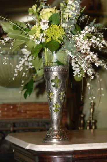Fleur de lis table centerpiece